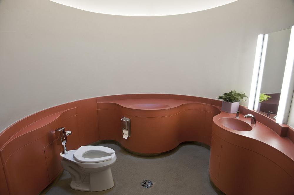 あなたにとっての「美しい公衆トイレ」は、どこですか?