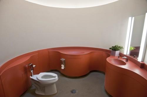 全米ナンバーワンのトイレを皆さんはどう評価しますか
