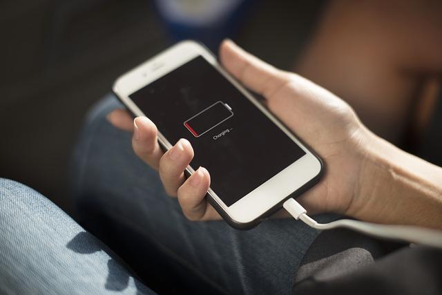 MacBookをモバイルバッテリーで充電できるのか?