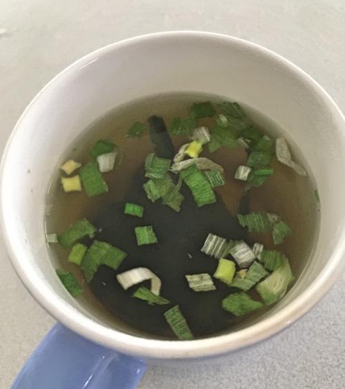 お弁当に1品加えよう:1杯あたり15円のカンタンすぎるわかめスープ